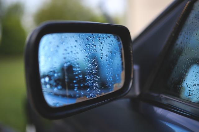 車査定で雨の日や曇りなど天気で有利・不利はある?